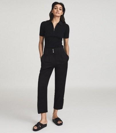 REISS BLAIR ZIP DETAIL TAPERED FIT TROUSERS BLACK / smart crop leg pants