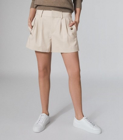 REISS BROOKLYN POCKET FRONT TAILORED SHORTS NEUTRAL ~ pleated short - flipped