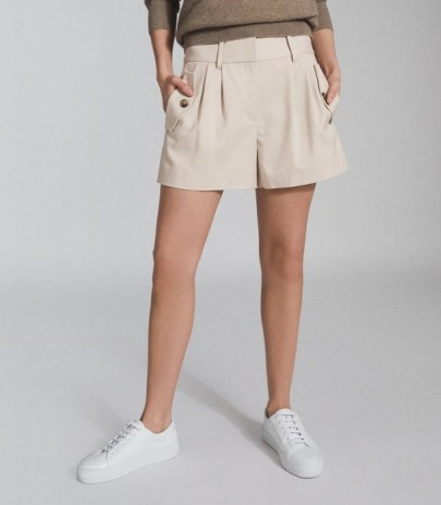 REISS BROOKLYN POCKET FRONT TAILORED SHORTS NEUTRAL ~ pleated short