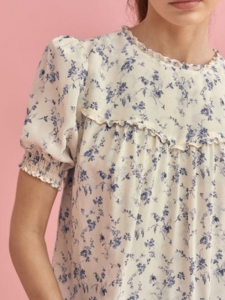 REFORMATION Gloucester Top / floral babydoll tops / puff sleeve blouses for spring and summer 2021 - flipped