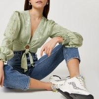 RIVER ISLAND Green printed ring front tie blouse top ~ floral crop tops