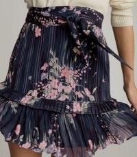 REISS LIZA FLORAL PRINTED MINI SKIRT NAVY PRINT / flippy hem skirts