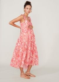 More from the Maternity Style collection