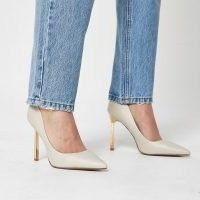 River Island Beige gold heel court shoes – high heels – neutral point toe courts