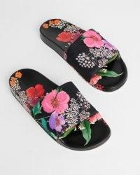 TED BAKER ASHLIN Metropolis Slider / black floral slides
