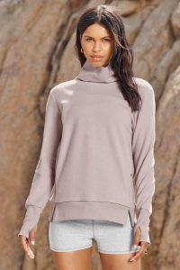ALO YOGA WARMTH COVERUP Lavender Dusk ~ sports tops ~ lilac sportswear ~ cover up top