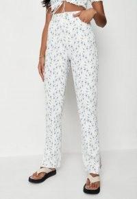 MISSGUIDED white co ord floral print split hem jeans – printed denim – casual romantic fashion