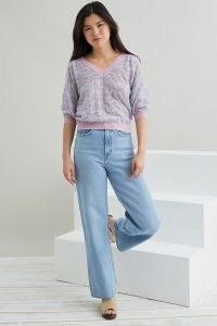 Suncoo Short-Sleeved Jumper in Lilac ~ pastel V-neck jumpers