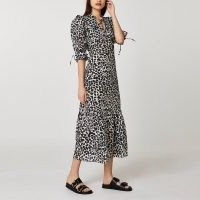 River Island Black animal print smock dress – dresses with puff sleeves and tie detail