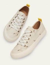 BODEN Freya Low Top Trainers Ecru Toucan / bird print sneakers