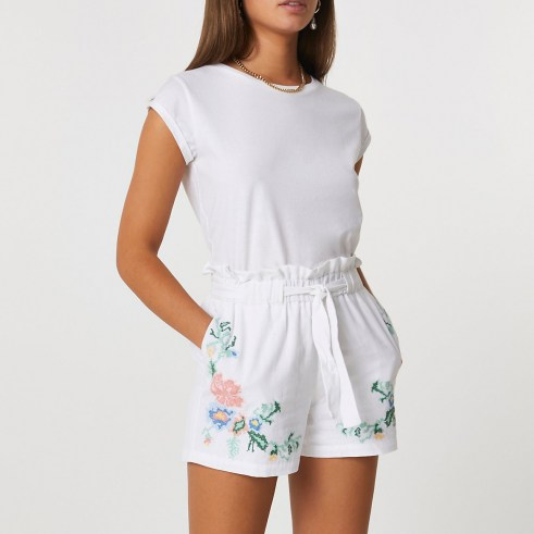 RIVER ISLAND White embroidered paper bag shorts / floral embroidery / tie waist - flipped