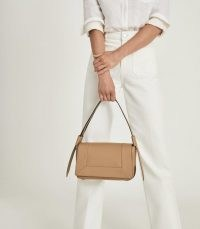 REISS ALMA LEATHER SHOULDER BAG TAN – light brown flap bags