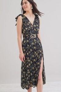 Sabina Kimber Floral-Print Midi Dress / sleeveless belted dresses