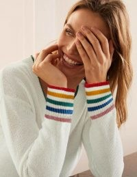 Boden Bamburgh Relaxed Jumper | ivory V-neck jumpers with contrast-colour detail on the neck and cuffs