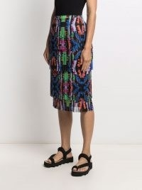 Pleats Please Issey Miyake pleated abstract-print skirt – fringed tiered skirts