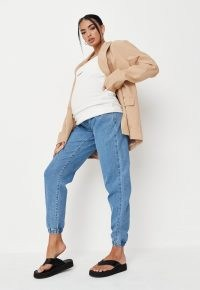 Missguided blue jogger maternity jeans | casual pregnancy fashion | cuffed joggers