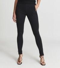 REISS DANA ZIP DETAIL PONTE JERSEY LEGGINGS BLACK / women's chic skinnies