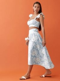 REFORMATION Junie Linen Two Piece / women's summer fashion sets / floral linen crop top and skirt co ord