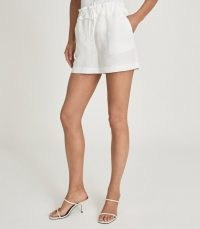 REISS LACEY LINEN BLEND DRAWCORD SHORTS WHITE / women's casual clothing / womens summer fashion