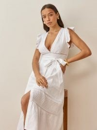 REFORMATION Lili Linen Dress in White / plunge front flutter sleeve summer dresses / women's summer fashion