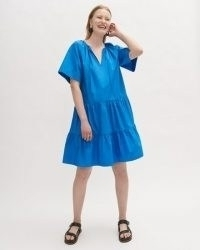 JIGSAW POPLIN SMOCKED MINI DRESS – voluminous tiered summer dresses in blue cotton