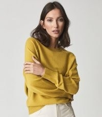 REISS BRIA WOOL CASHMERE BLEND JUMPER GREEN ~ womens luxe crew neck jumpers ~ casual knitwear