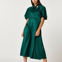 RIVER ISLAND Green print tie neck midi dress ~ animal print angel sleeve dresses