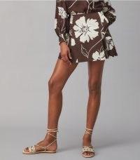 TORY BURCH PRINTED POPLIN SKORT Deep Chocolate Daisy 21 / brown bold floral print skorts