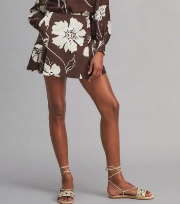 TORY BURCH PRINTED POPLIN SKORT Deep Chocolate Daisy 21 / brown bold floral print skorts - flipped