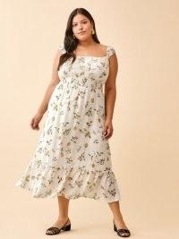 REFORMATION Sunstone Dress Es in Citron / womens feminine plus size summer dresses / fruit print fashion / citrus fruits / lemons