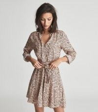 REISS BILLIE PAISLEY PRINTED MINI DRESS PINK / tie waist flared hem dresses