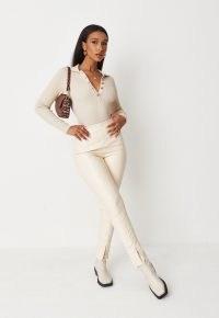 Missguided cream faux leather split hem leggings – high waist skinnies – slit hem