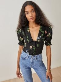 REFORMATION Hara Top in Night Bloom / puff sleeve floral tops / vintage style blouses