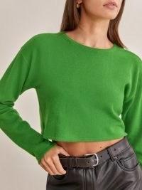 REFORMATION Idan Cropped Cashmere Crew in Kelly Green ~ luxe crop hem sweaters ~ on trend knitwear