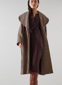 L.K. BENNETT MANON TOFFEE BLACK WOOL MIX COAT / womens chic dogtooth winter coats / women's houndstooth print outerwear / shawl collar