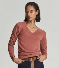 Reiss VERITY RUCHED SLEEVE WOOL BLEND TOP ROSE – pink gathered sleeve knitted tops – womens chic V-neck pullovers