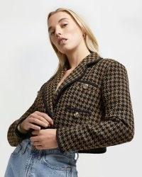 River Island Brown dogtooth boucle crop blazer – cropped jackets – houndstooth crop hem blazers