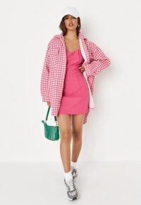 MISSGUIDED pink boucle houndstooth oversized shirt dress ~ textured dogtooth check dip-hem dresses