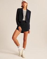 ABERCROMBIE & FITCH Cropped Blazer in Dark Navy Blue – women's crop hem blazers – womens on trend jackets
